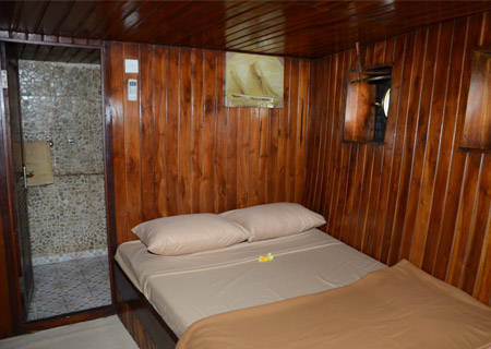 felicia double bed cabin